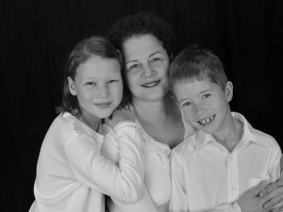 Cyma Shapiro and adopted children